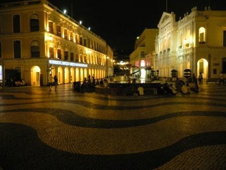 Senado Square at midnight