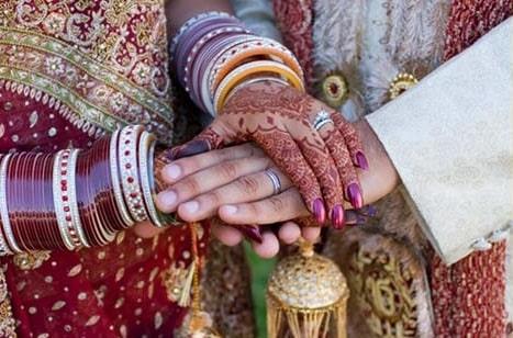 wedding_hands_DyKqY_18770