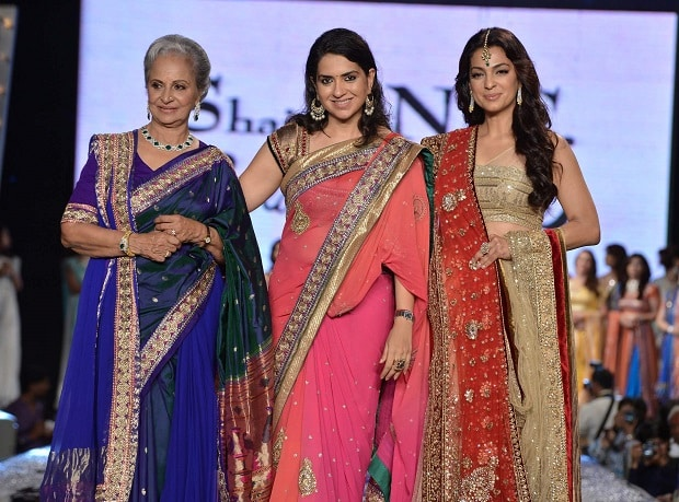 Waheeda-Rahman-Shaina-NC-Juhi-Chawla-walking-the-ramp-during-Fevicol-Caring-with-Style-fashion-show-to-support-cancer-patients